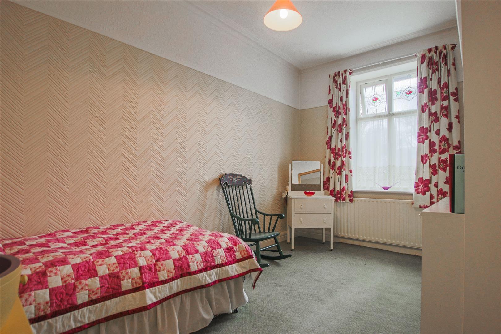 5 Bedroom Detached House For Sale - 27.JPG